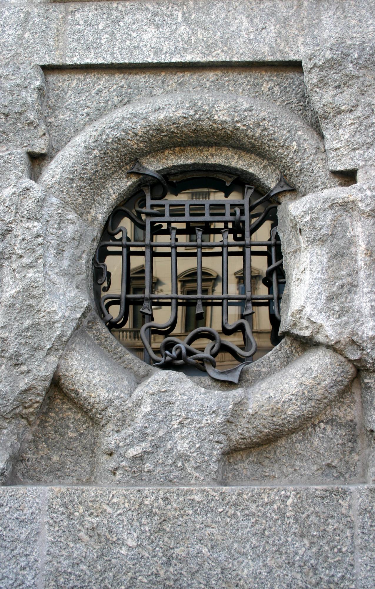 9040_-_Milano,_C.so_Venezia_-_Giuseppe_Sommaruga,_Pal._Castiglioni_(1904)_-_Foto_Giovanni_Dall'Orto_22-Apr-2007