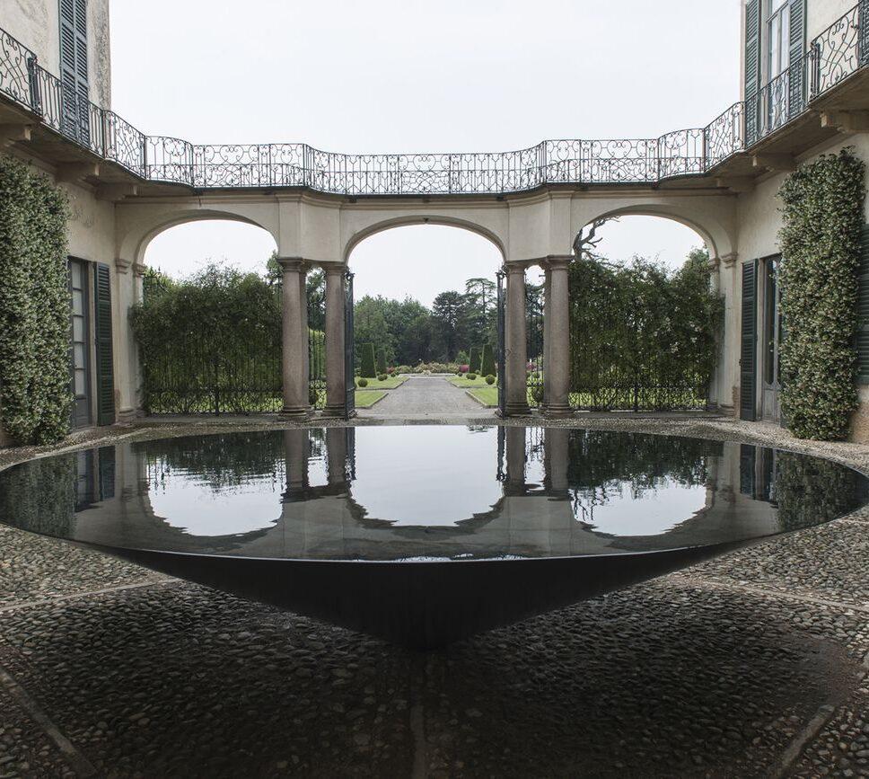 Villa-e-Collezione-Panza-Meg-Webster-Cone-of-Water-2015.-Photo-www.tenderinifotografia.com-©-FAI-Fondo-Ambiente-Italiano
